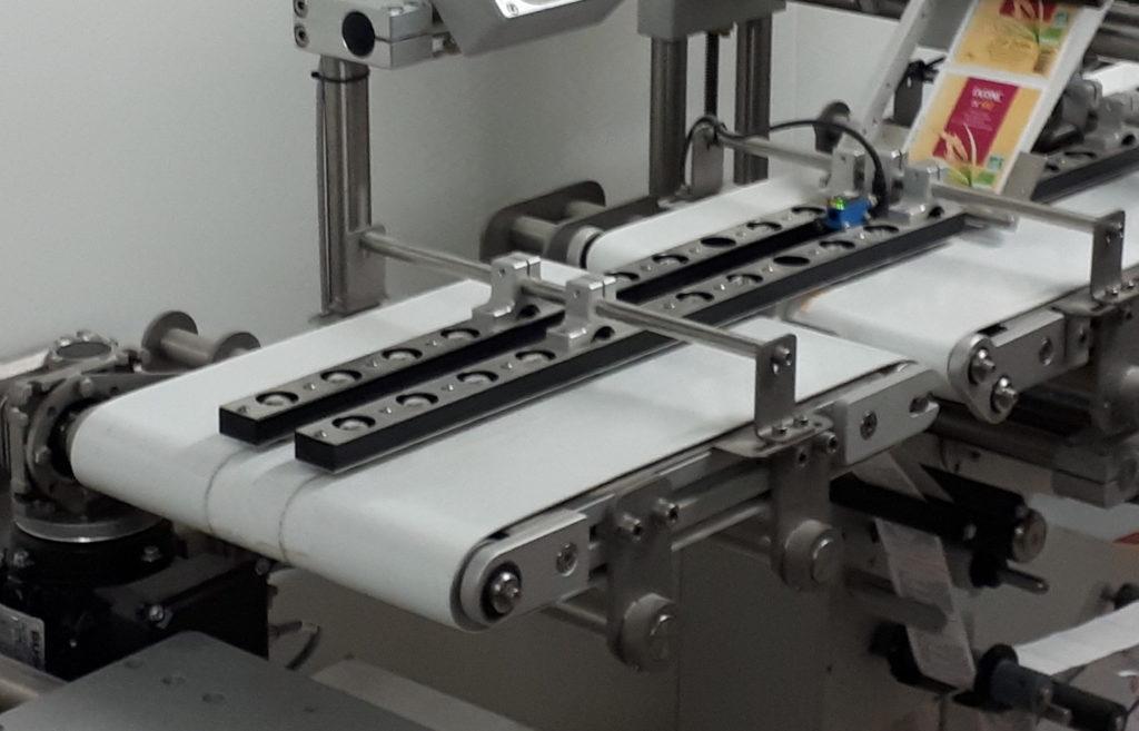 Convoyage étiquetage industriel automatique