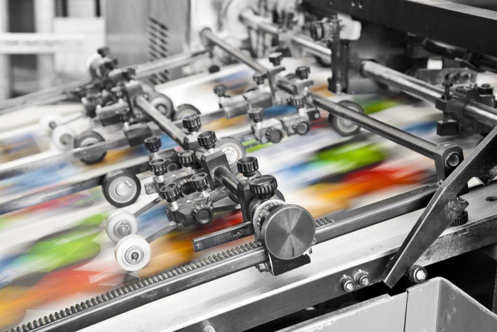 Machine-outil de fabricant d'étiquettes